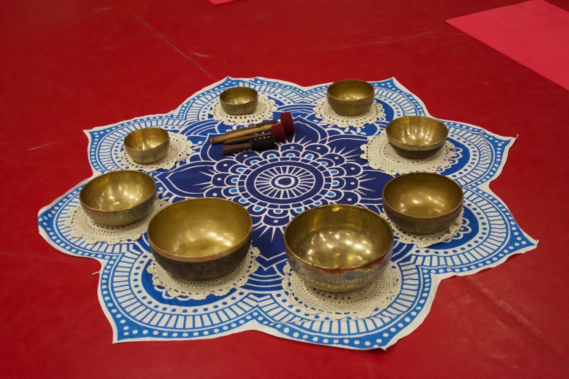 Campane tibetane, handpan, disco armonico, yoga