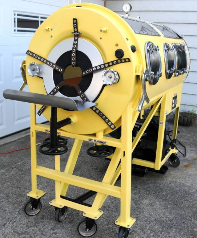 Image of iron lung similar to those in use during poliomyelitis epidemics in Australia