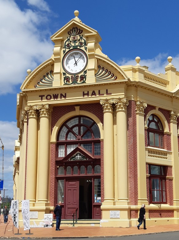 https://maureenhelen.com/wp-content/uploads/2018/10/York-Town-Hall.jpg