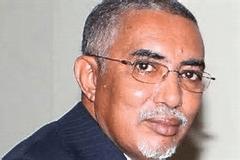 مصادر : ولد عبد العزيز قد يتخلص من وزيره الأول قبل التعديلات الدستورية …