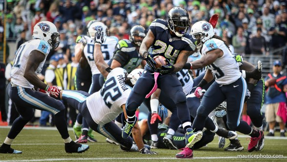 Marshawn Lynch goes beast mode in the end zone