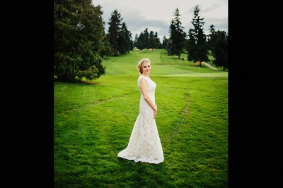 Wedding photos at the Sand Point Country Club