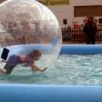 Waterballs, Sfere galleggianti