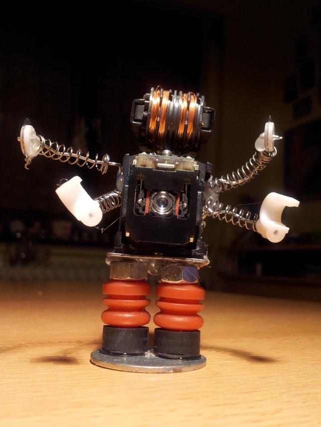 M-BOTS - die Trash-Roboter (1/6)