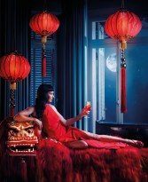 Uma Thurman colinda lumea in Calendarul Campari 2014 www.mauvert.com