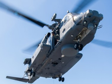 CH-148 Cyclone from HMCS Montreal (Photo: Leading Seaman Dan Bard, Formation Imaging Services)