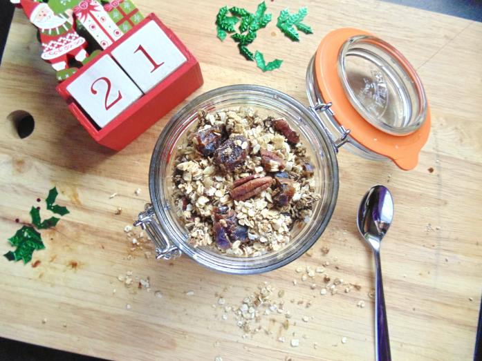 christmas spiced granola