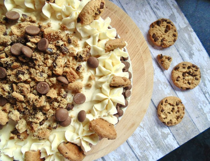 vanilla chocolate chip cookie dough cake