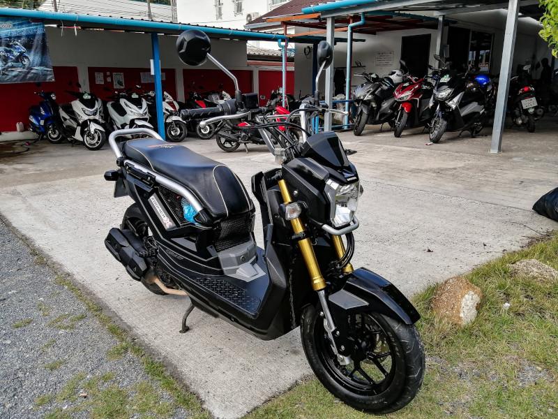 Location scooter a Koh Samui