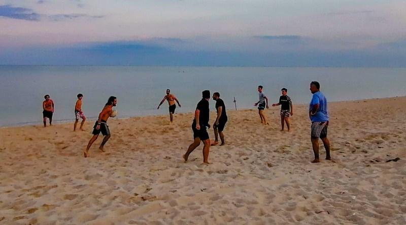 Beach Rugby sur Lamai Beach a Koh Samui, devant la Bohemia Beach Lounge.