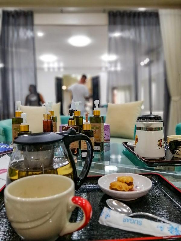 Thé chaud offert après le massage chez Ooh La La beauté & SPA Palace à Koh Samui.