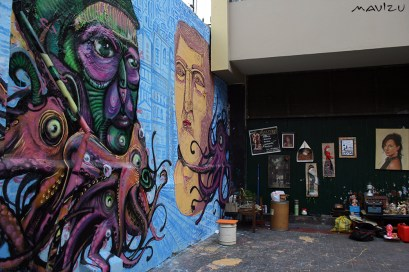 3YONE y vendedores ambulantes en Jr. Ancash, Lima.