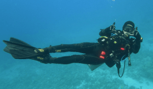 Scuba diving with Max-Air Compressor