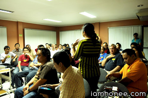 Members of local startups meet in the Cebu Educational Development Foundation for Information Technology (CEDF-IT) office at the Asiatown IT Park in Cebu City. (Photo by Honeylyn Balingcasag)