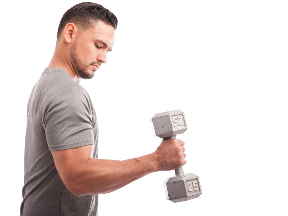 前腕を鍛える男性 ハンマーカール