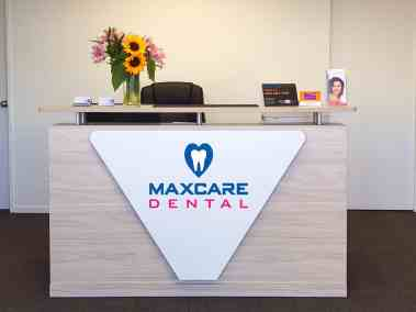 MaxCare-Reception-Desk