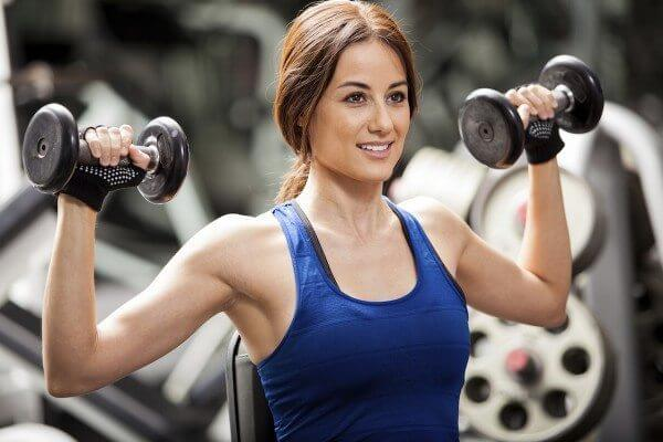 There are advantages and disadvantages to using both free weights and resistance machines. The fact is that they both have their place, but you need to know how to make the right choice.