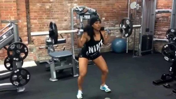 When you squat correctly, you can achieve major muscle growth.