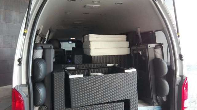 large items transport service 300x168 Why u should booked Maxi Cab from maxicabtaxiinsingapore.com for your holiday in singapore 2019?
