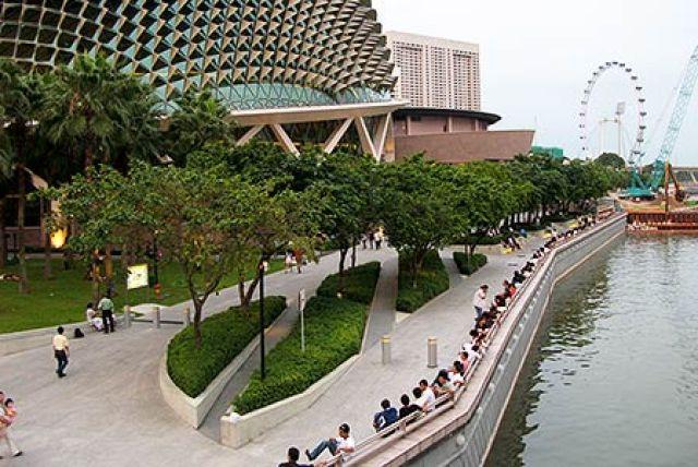 esplanade park 300x200 Esplanade Park in Singapore