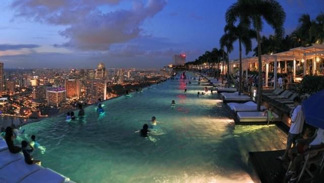 item 1.thumbnail.carousel img.740.416 3 300x169 Marina Bay Sands Skypark in Singapore