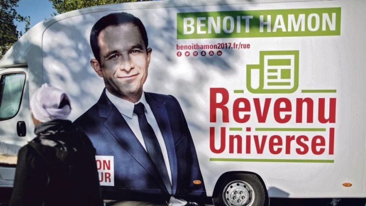 Meeting de B. Hamon, place de la Republique. Campagne electorale, election presidentielle