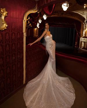 lace, tulle, crepe, satin, belt, plus size, Maxims wedding, gown, dress, wedding, A line, Mermaid, Boho, Princess, Ariamo, Madioni, jacquard, Tesoro, feather, sequins, haute couture