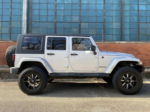 2010 Jeep Wrangler Unlimited Sahara Pic_002