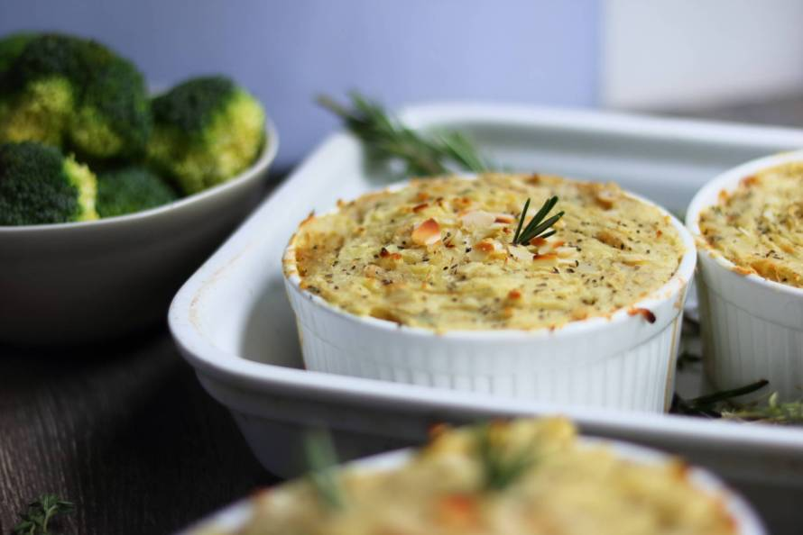 Rosemary and garlic parsnip mash pie