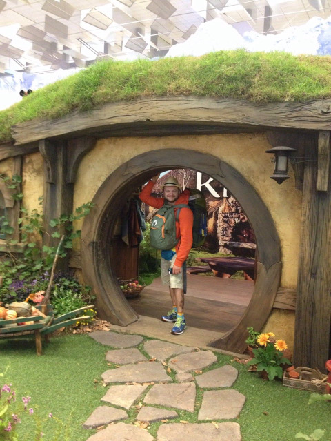 hobbiton-in-singapore-airport