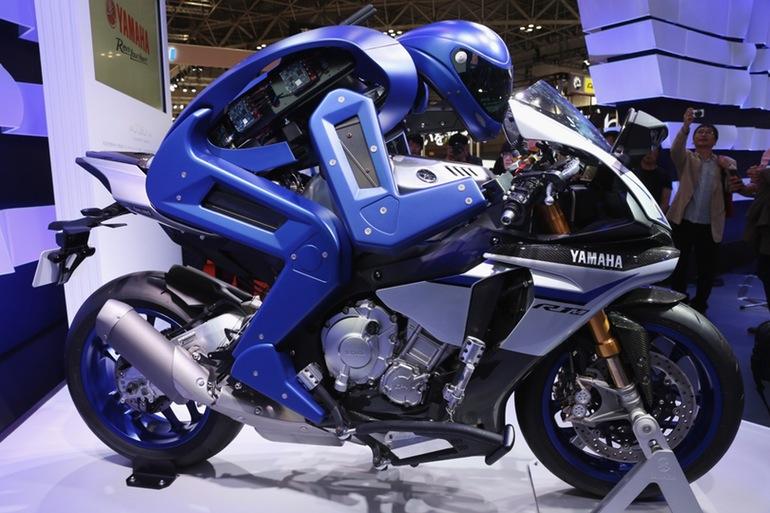 yamaha-motorcycle-riding-robot