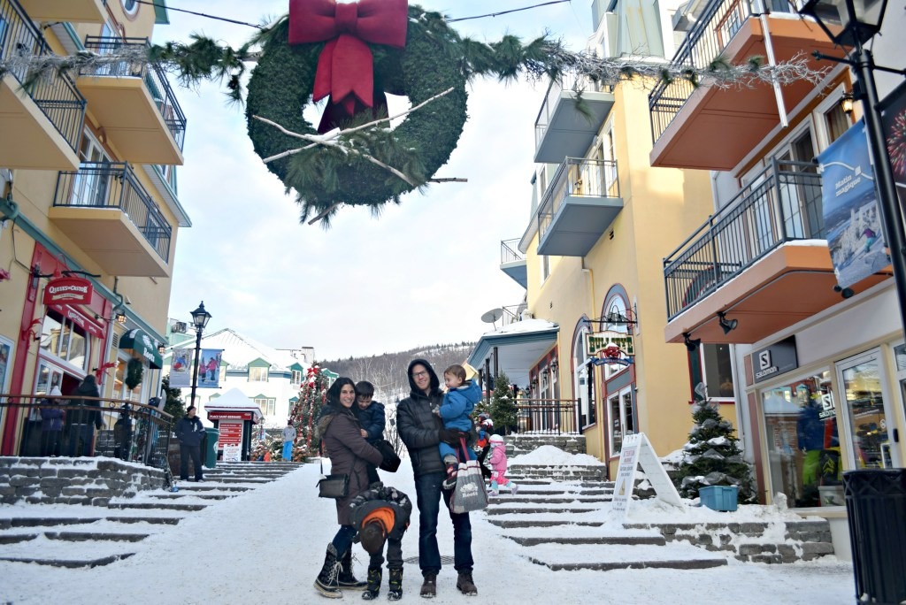tremblant-family-in-village