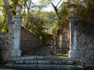 01 P1020221 sanctuaire Lluc fontaine sa coberta