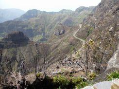 Resize of PR17 levada da serra Sortie Encumeada vue Lombo do Muro