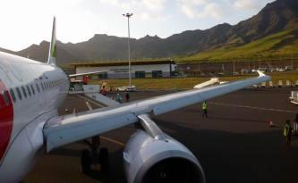 CaboVerde2013-M-02 Mindelo Aeroport Cesaria Evora Airbus 320