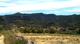 2014-07-12 Ruta dels Refugis (106) Cami dels Cartoxans Panorama Cornudella