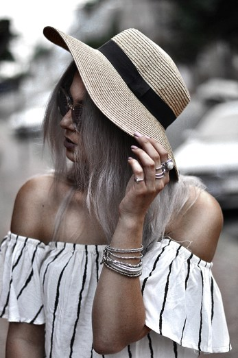 You need this off the shoulder playsuit in your closet! Paired with a sunhat and choker, it makes the perfect warm weather outfit. LOVE this look so much!