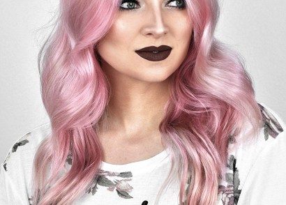 Looking for that perfect pastel pink hair color? See my results with oVertone Rose Gold and try it for yourself to get the muted pink shade of hair you've been dreaming of!