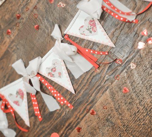 Valentine's Day Paper Banner DIY