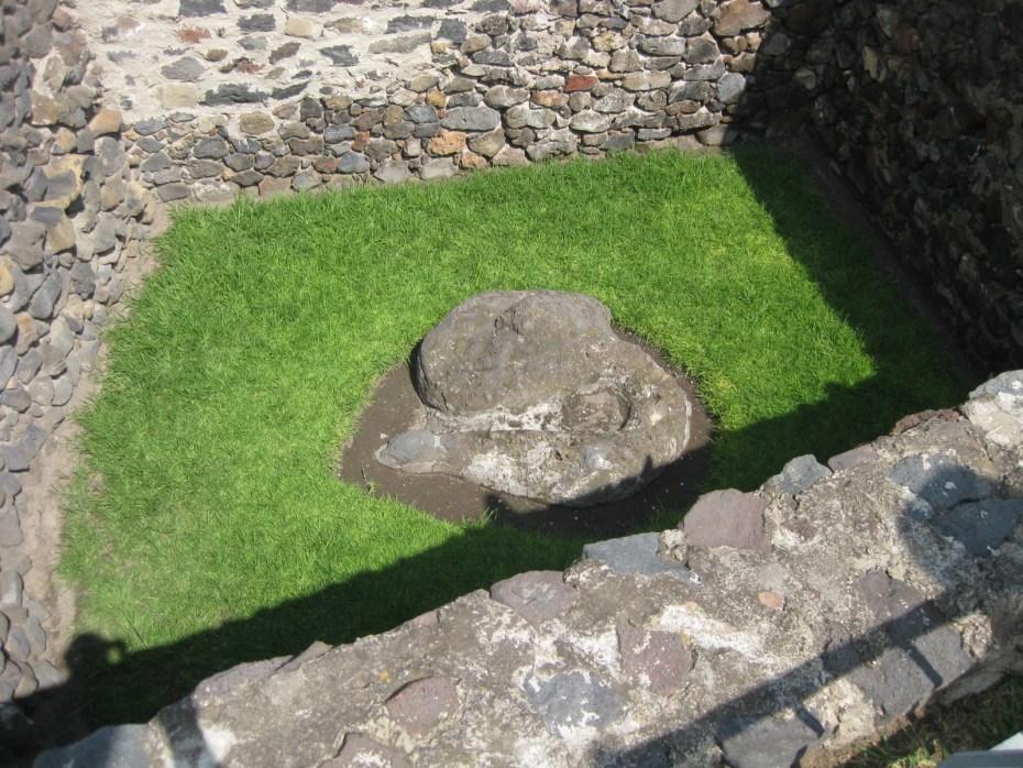 serpiente de la zona arqueológica Los pochotes en chimalhuacán