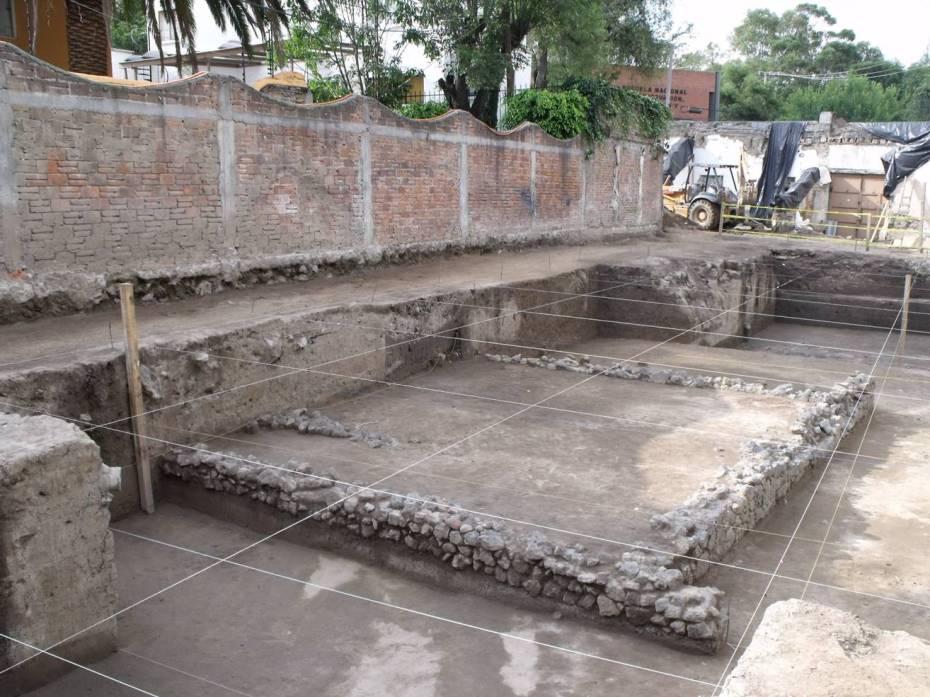 Plataforma mexica encontrada en Chrurubusco.