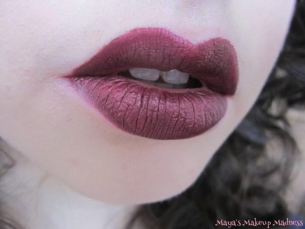 Corset lip swatch