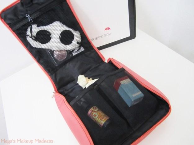 08-makeup-bag-04