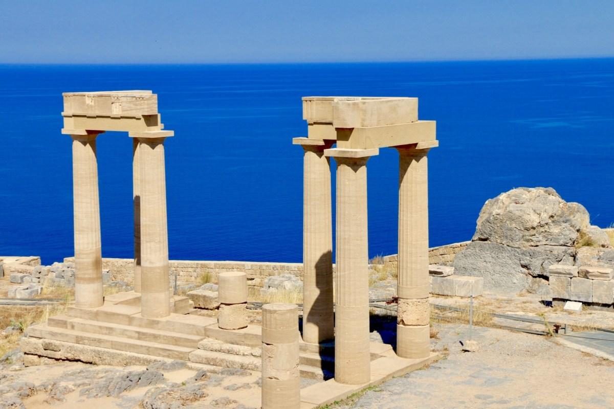 Retour sur la découverte de Lindos, un village grec typique au paysages époustouflants