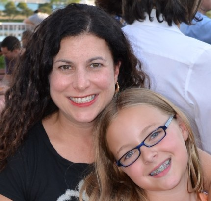 Author Carrie Goldman Segall with one of her three daughters on maybrooks.com