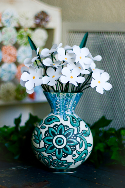 paper-flowers-in-a-vase