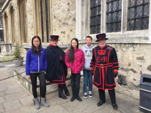 no visit to London is complete without a photo with a Beefeater