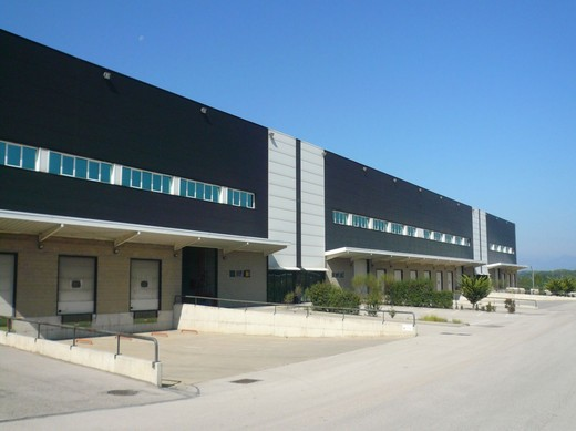El mercado inmobiliario logístico en Cataluña tuvo una tendencia positiva durante 2012