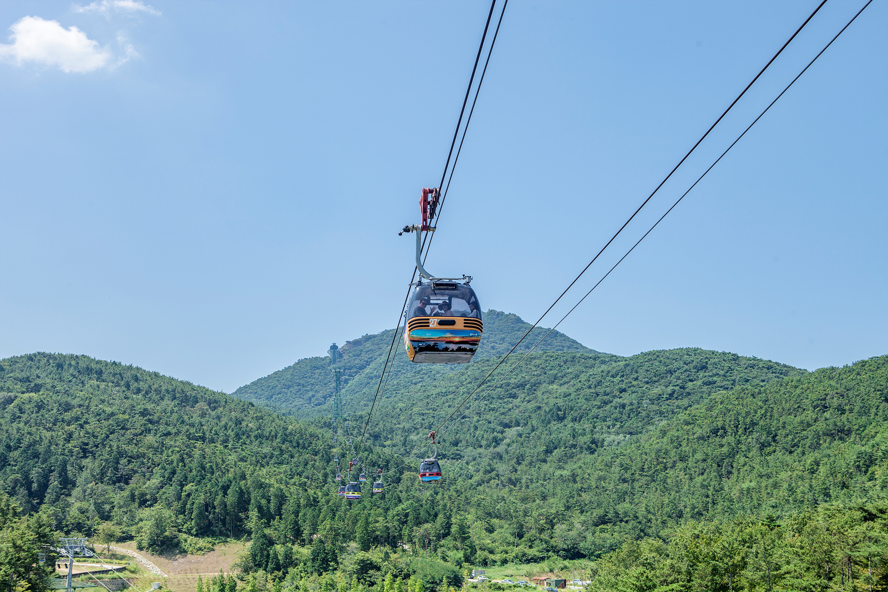Full view of Hallyeohaesang National Marine Park_Tongyeong Cable Car