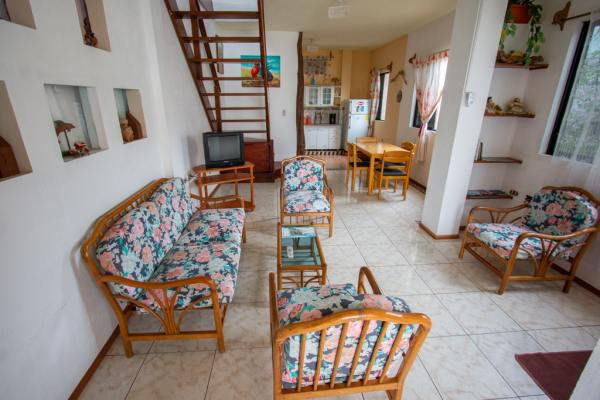 Superhost Airbnb Galápagos hostal maytenus